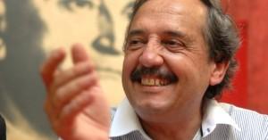 Télam Buenos Aires 16/02/11 -  En el marco de la campaña, el precandidato presidencial Ricardo Alfonsín, brindó una conferencia de prensa en el Comité radical de Avellaneda. Foto: Daniel Luna/Télam/cl